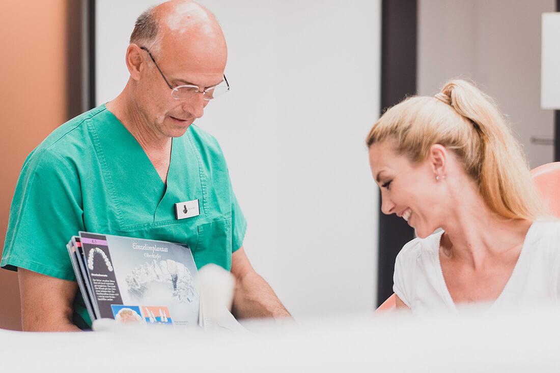 Mund-, Kiefer-, Gesichtschirurgie - Coburg - Feller / Otte - Beratung in der Praxis
